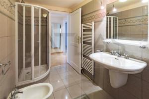 Pronájem bytu 4+1, 103 m² Praha - Karlín, Šaldova
