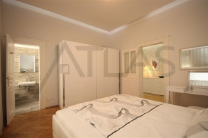 Pronájem bytu 3+kk, 91 m² Praha - Karlín, Molákova