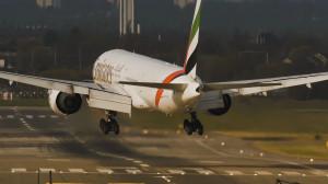 letecký provoz - přistávající letadlo