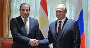 Ruský prezident Vladimir Putin během pracovní snídaně poděkoval svému kolegovi z Egypta za pomoc při konání rusko-afrického summitu a uvedl, že s ním bude muset sdílet část své mzdy.